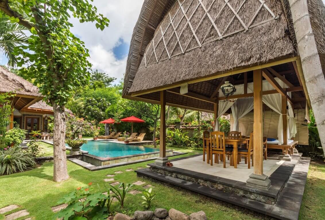Villa Lumbung and pool